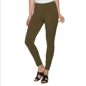 Women with Control Wicked Pull-On Leggings